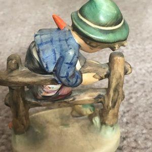 Accents - Goebel Hummel figurine